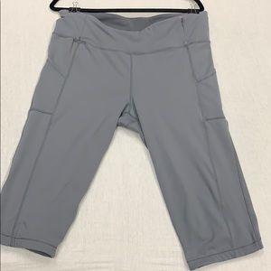 Gray cropped athletic leggings XXL